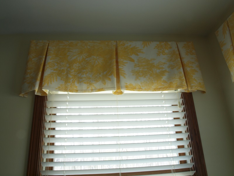 Wooden Blinds With Valance From And Shades